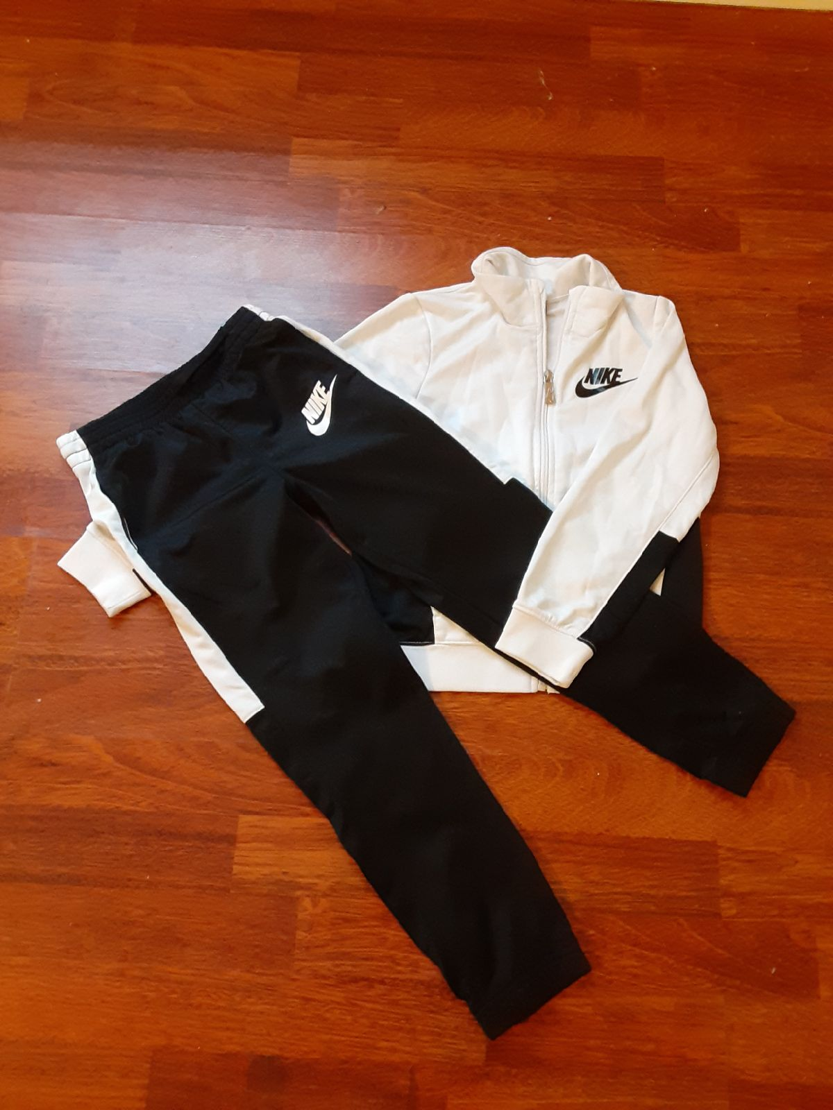 Nike 6-7 Size 7 Track suit black and whi
