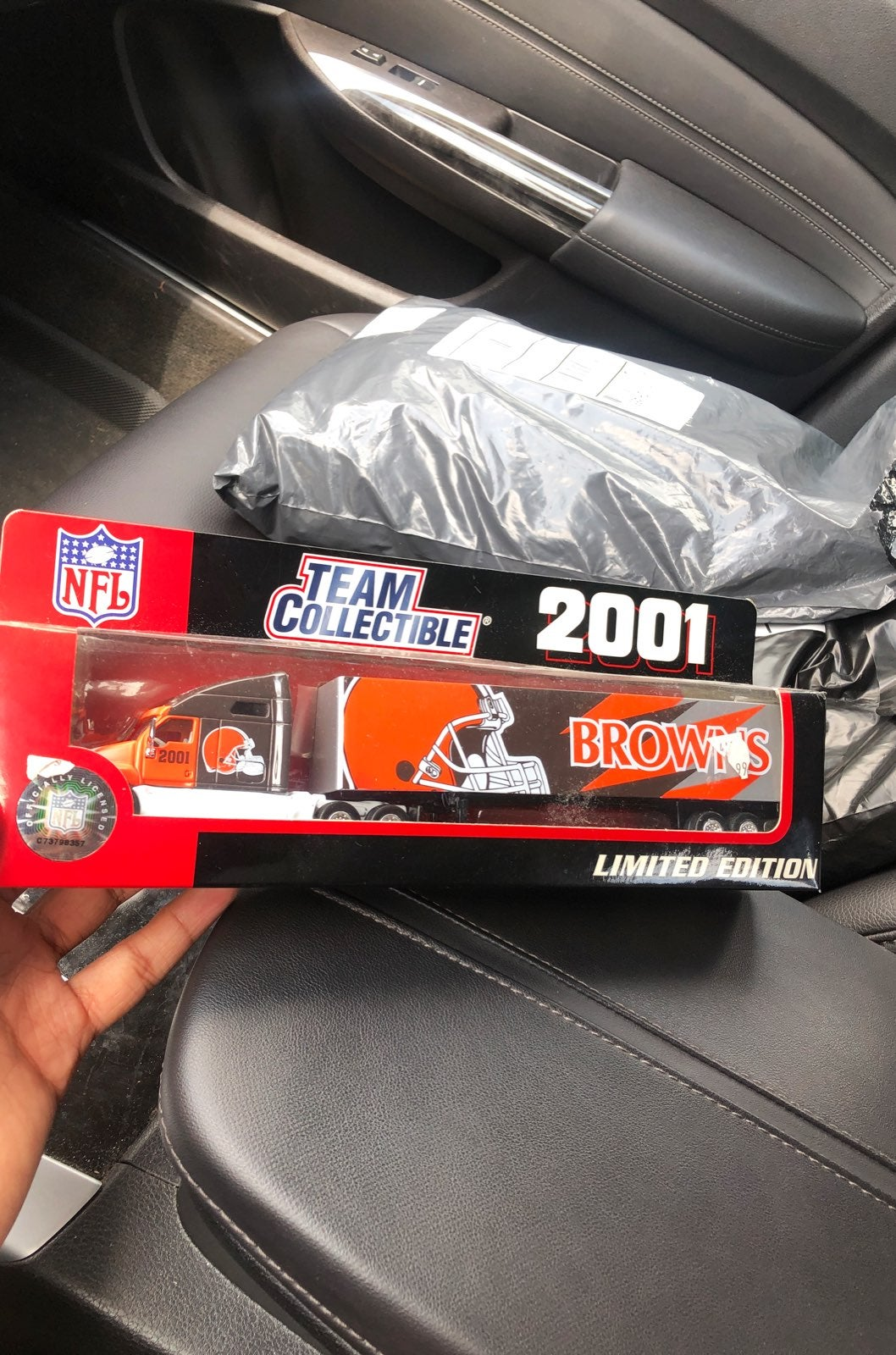 2001 NFL team collectible Browns truck