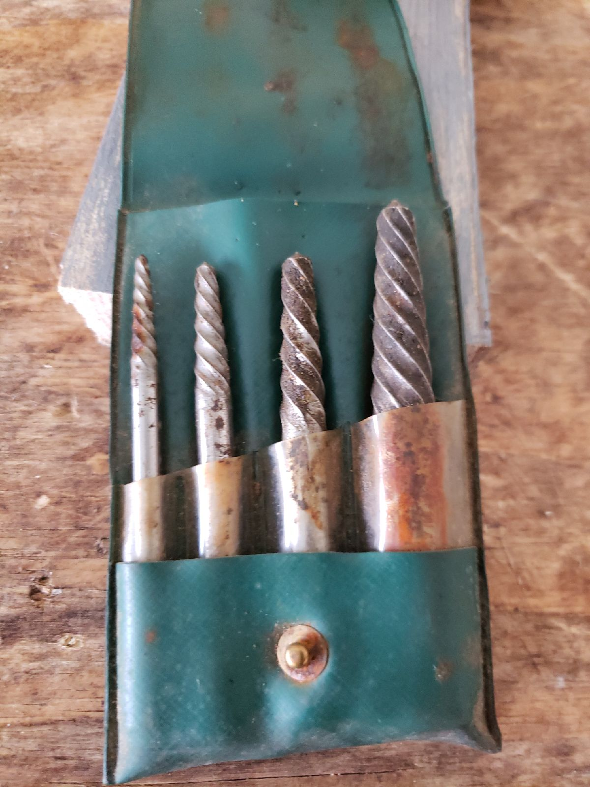 Cal-Van screw extractors set no 438