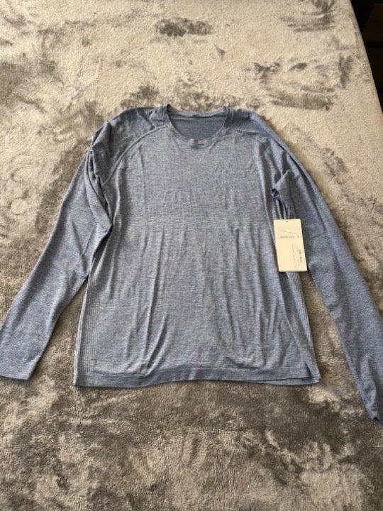 Men's Lululemon Long Sleeve Gym Shirt