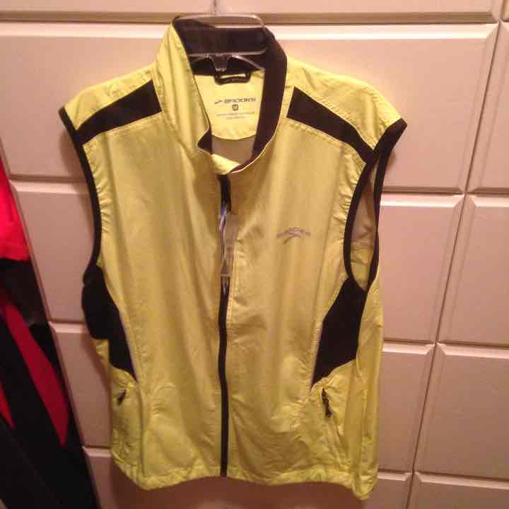 Brooks Mens reflective vest