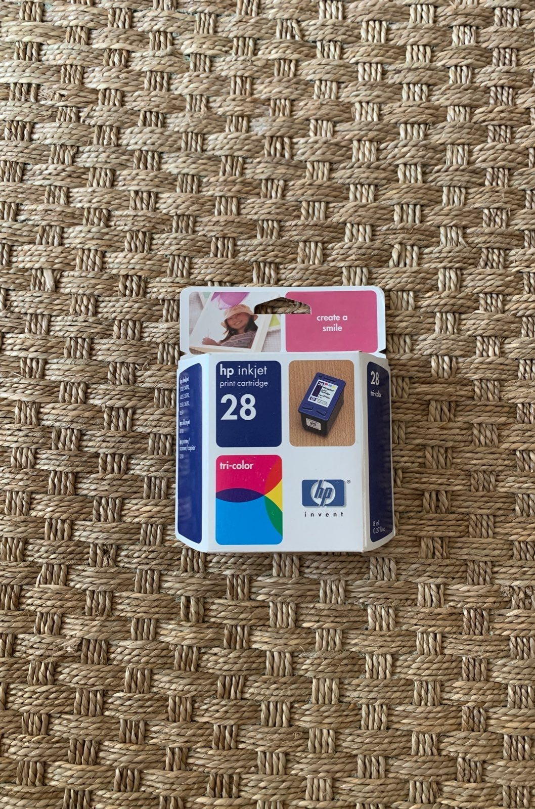 HP inkjet print cartridge 28 tri-color