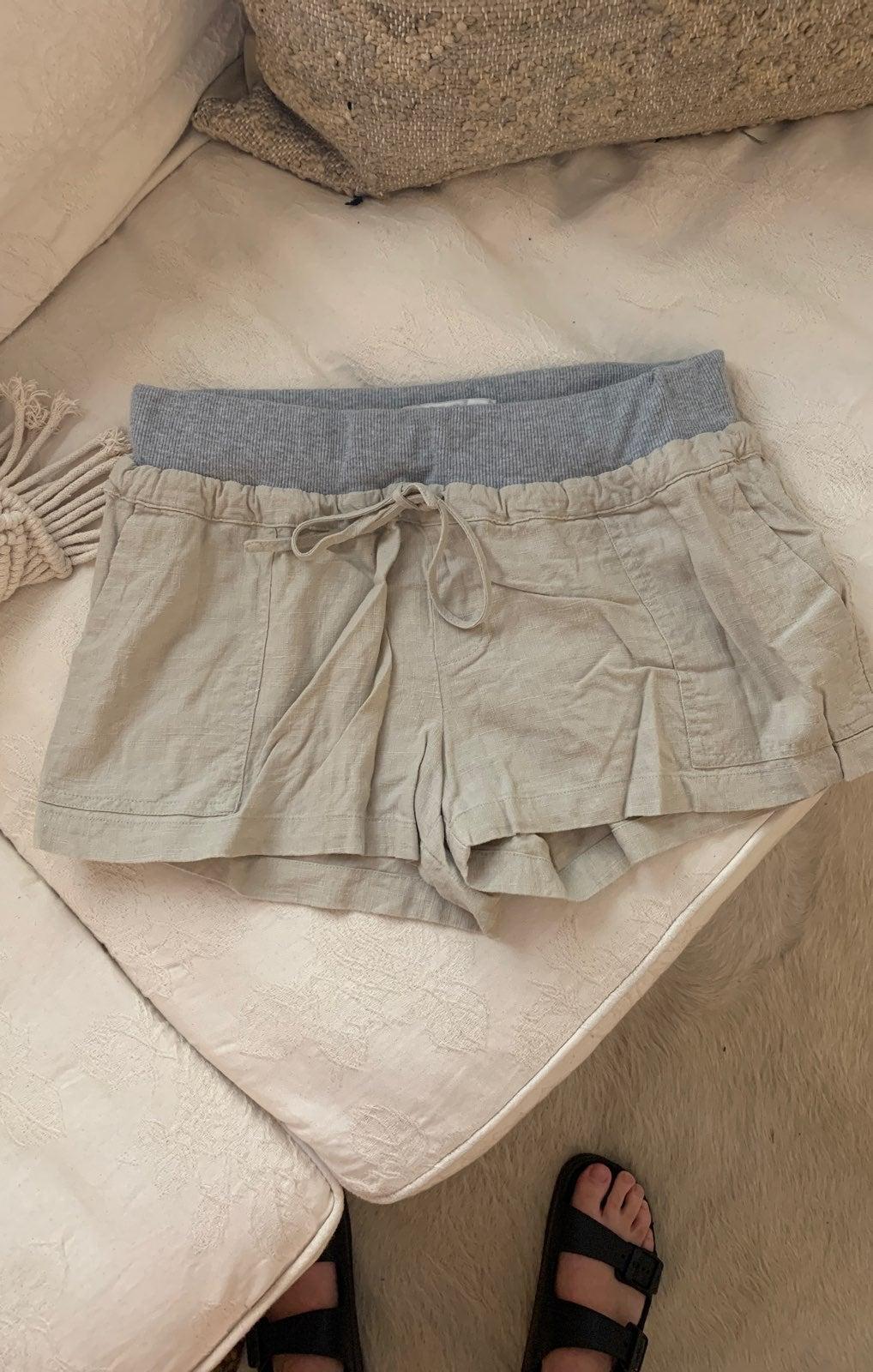 NWOT Large linen drawstring shorts