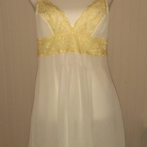 victoria secret lingerie gown Medium