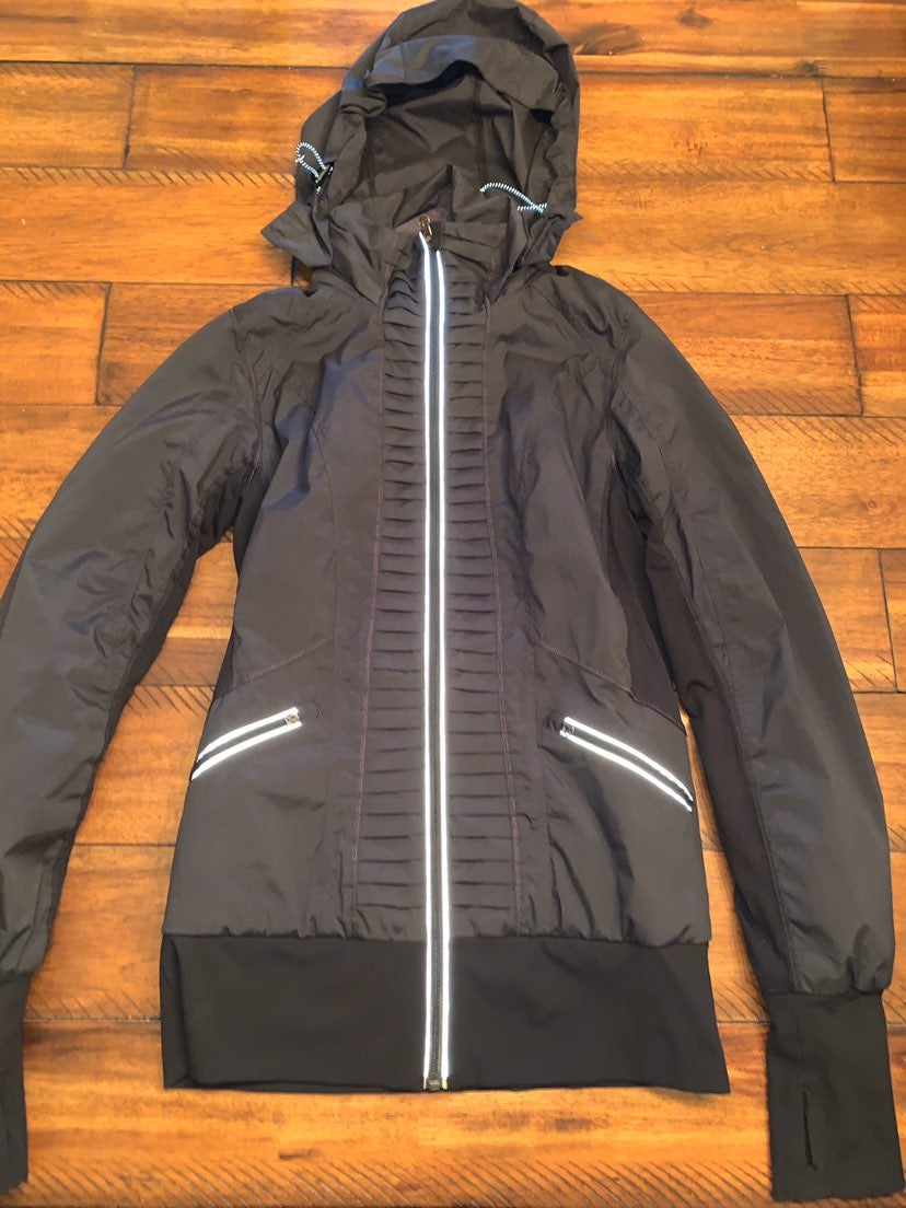 Lululemon jacket sz4