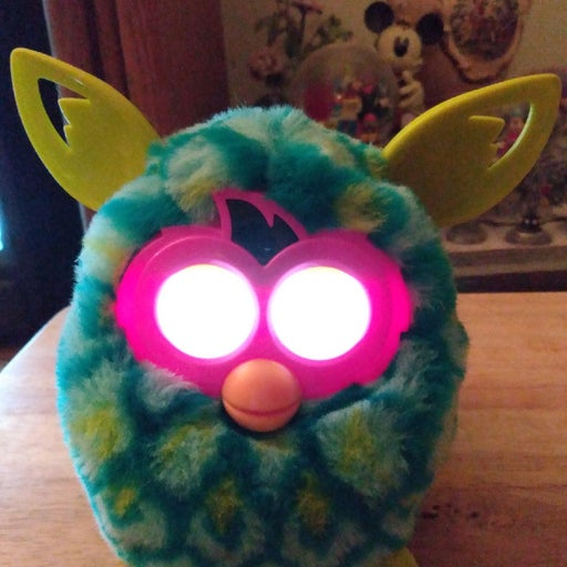 Furby boom with box
