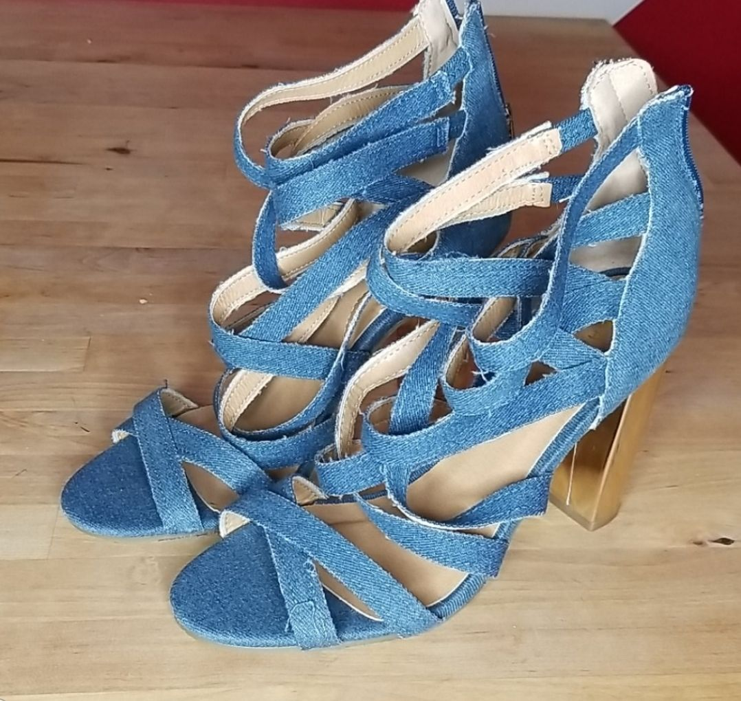 Denim strappy sandal with gold block hee