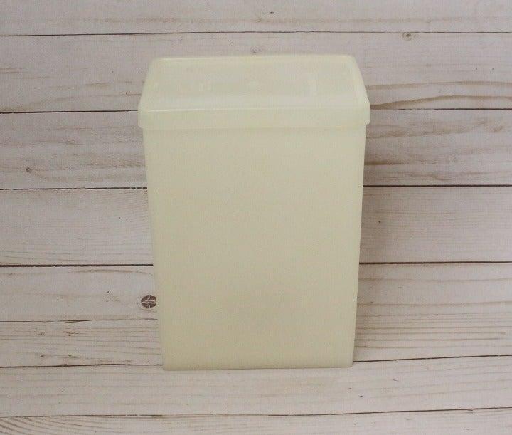 Tupperware 484 Ice Cream Keeper Storage