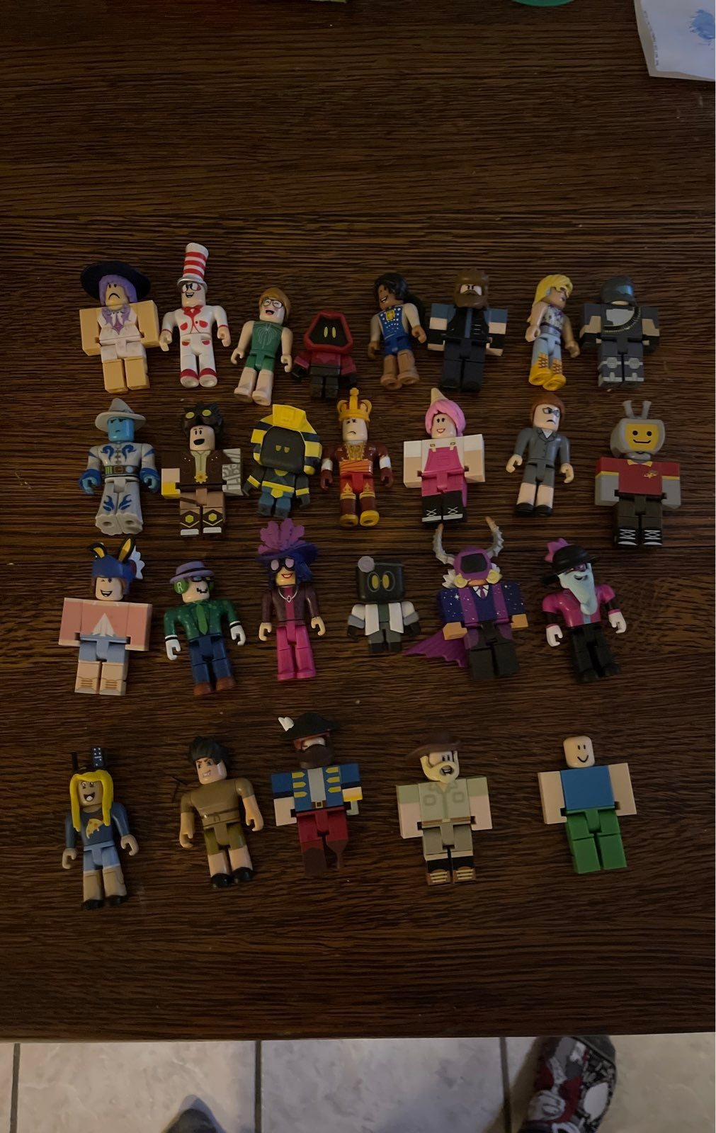 Lot of 26 roblox figures