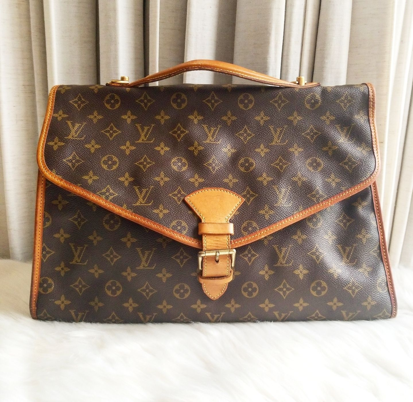 Louis Vuitton Monoram Beverly GM