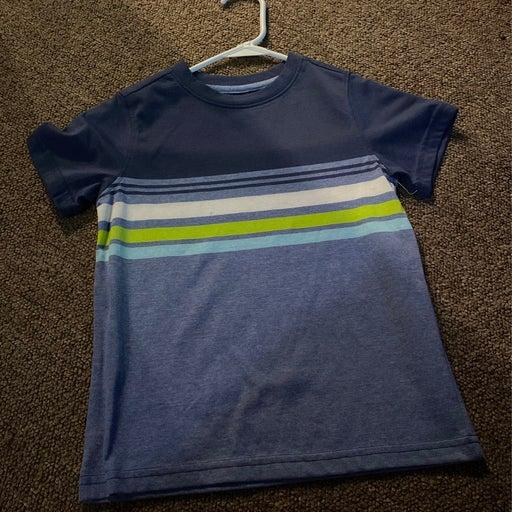 Boys tshirt never worn