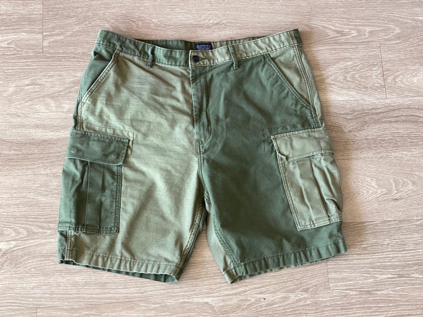 Levi Shorts Sz 40