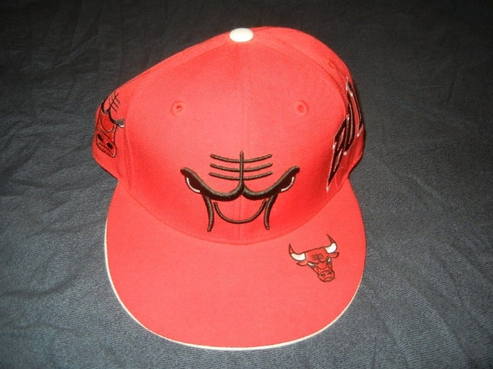 Chicago Bulls Red Reebok Hat Cap 7 3/8