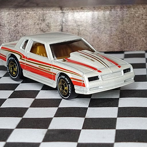 Hot Wheels hot ones Monte Carlo SS Chase