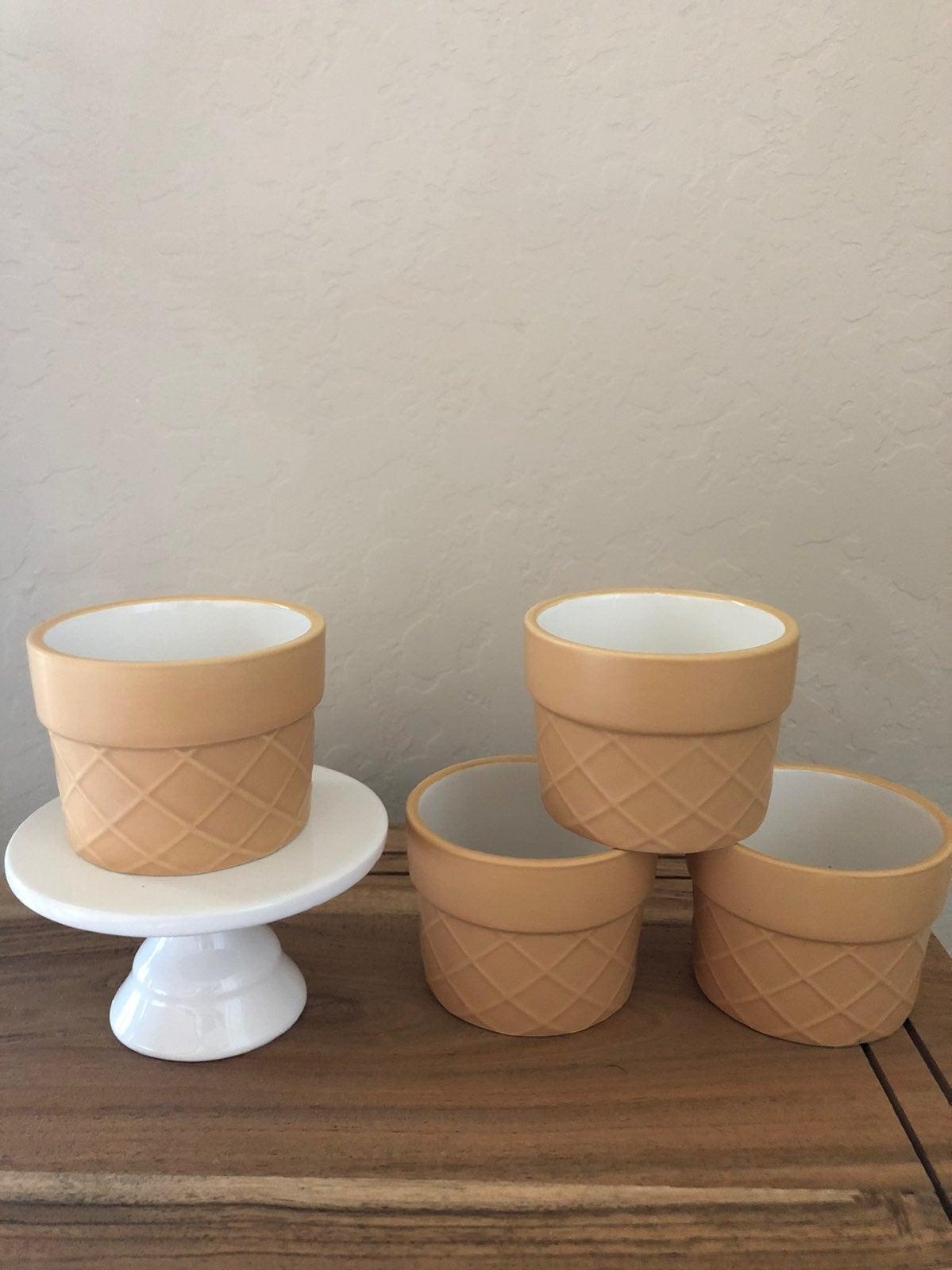 ceramic ice cream bowls with cupcake sta
