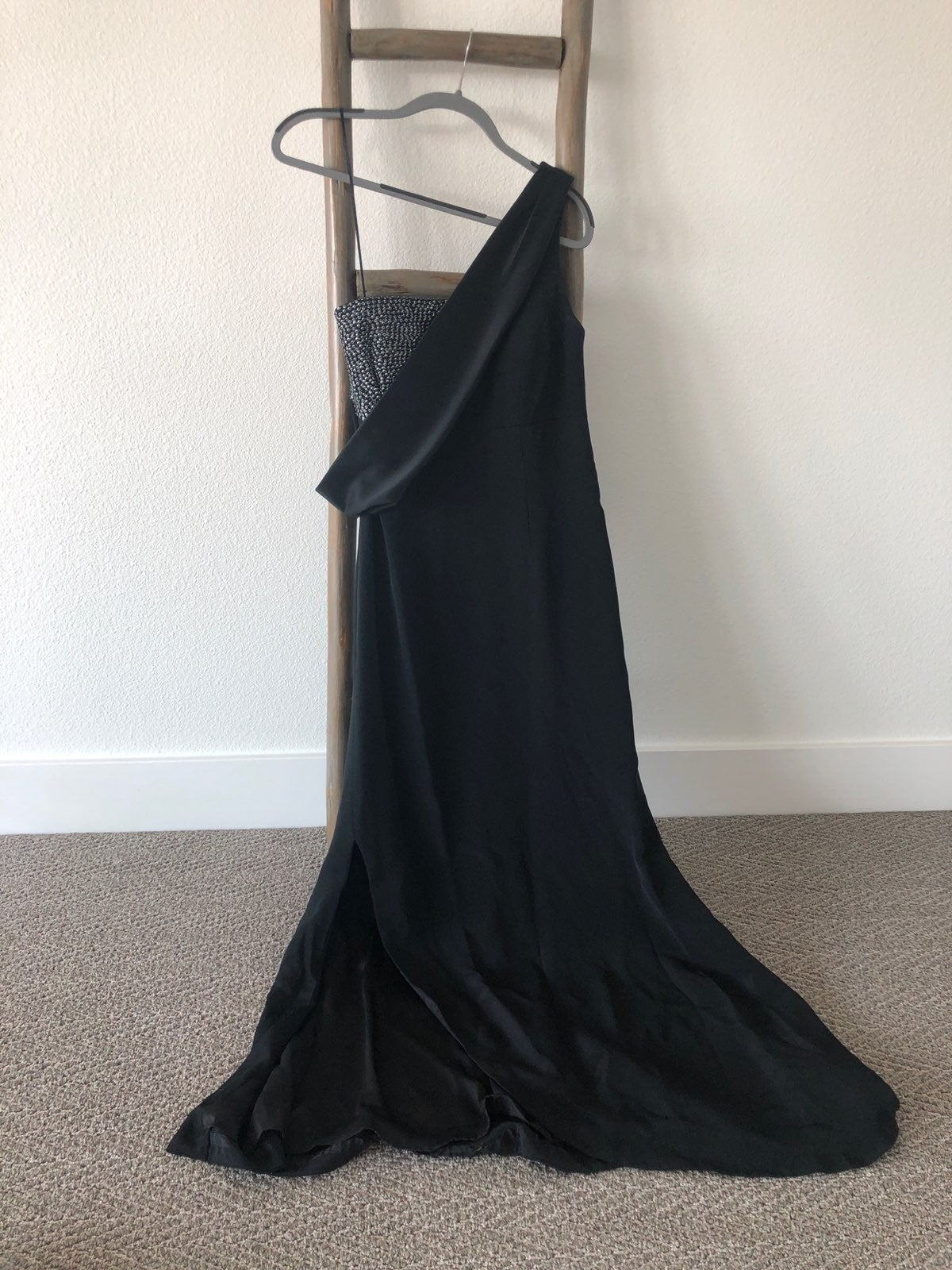 Kay Unger Size 12 Black Formal Gown