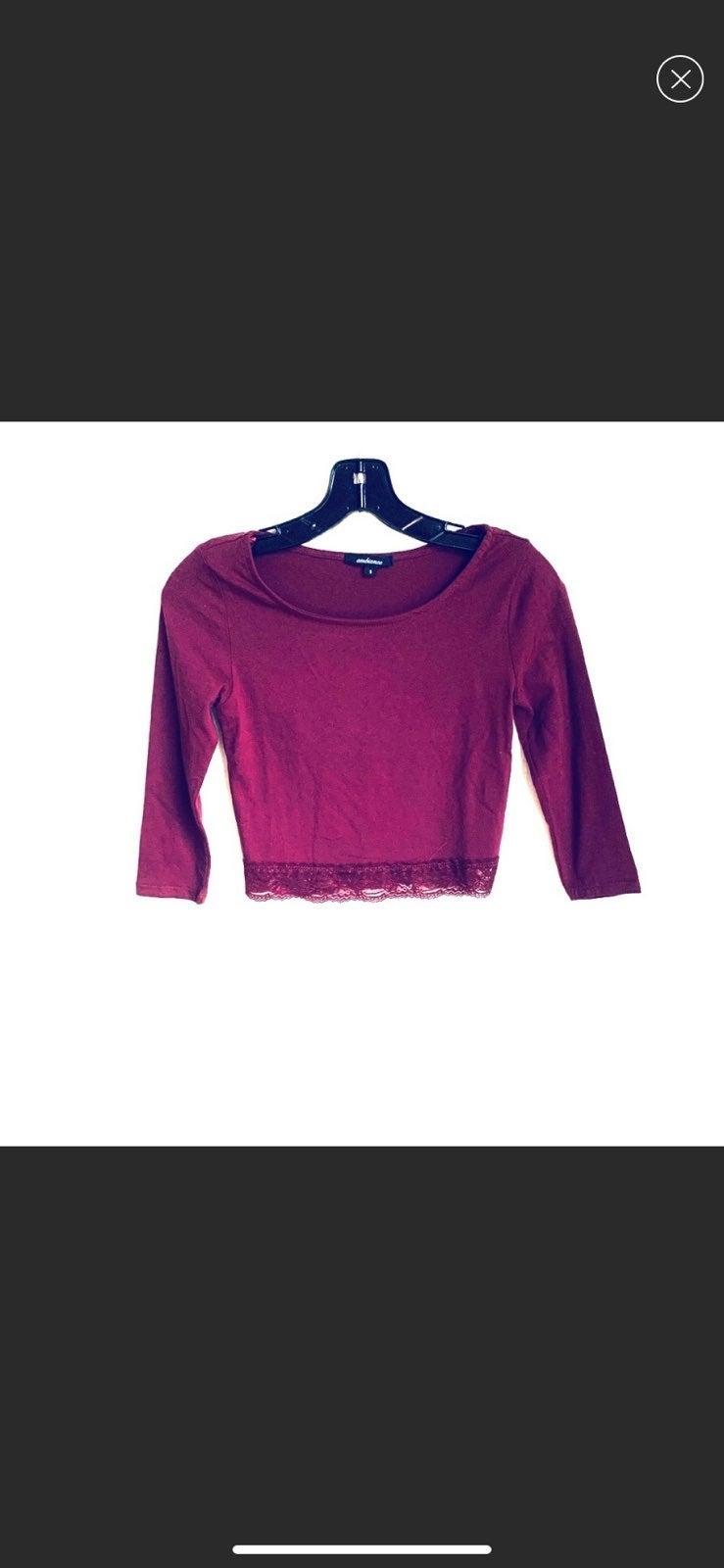 NWOT Cute Burgundy CropTop w/ Lace Waist
