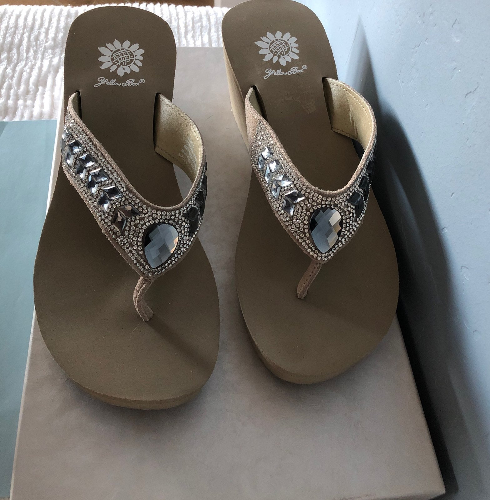 Yellow Box Womens Belmac Navy Sandal 6