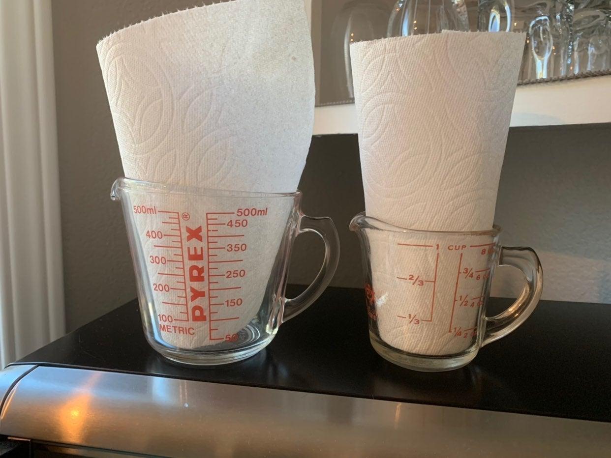 Vintage Pyrex Measuring Cups