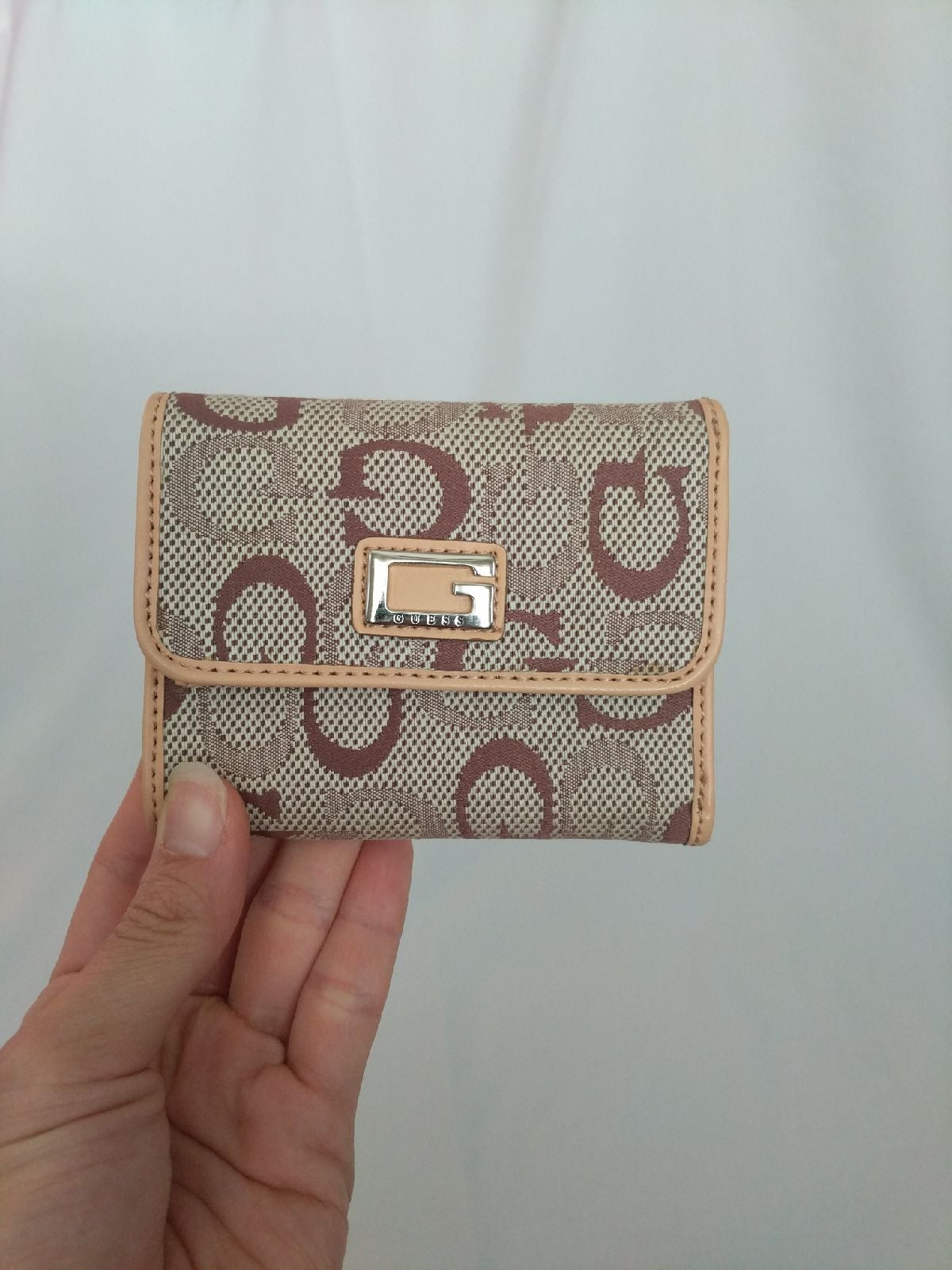 Guess trifold lady's wallet tan