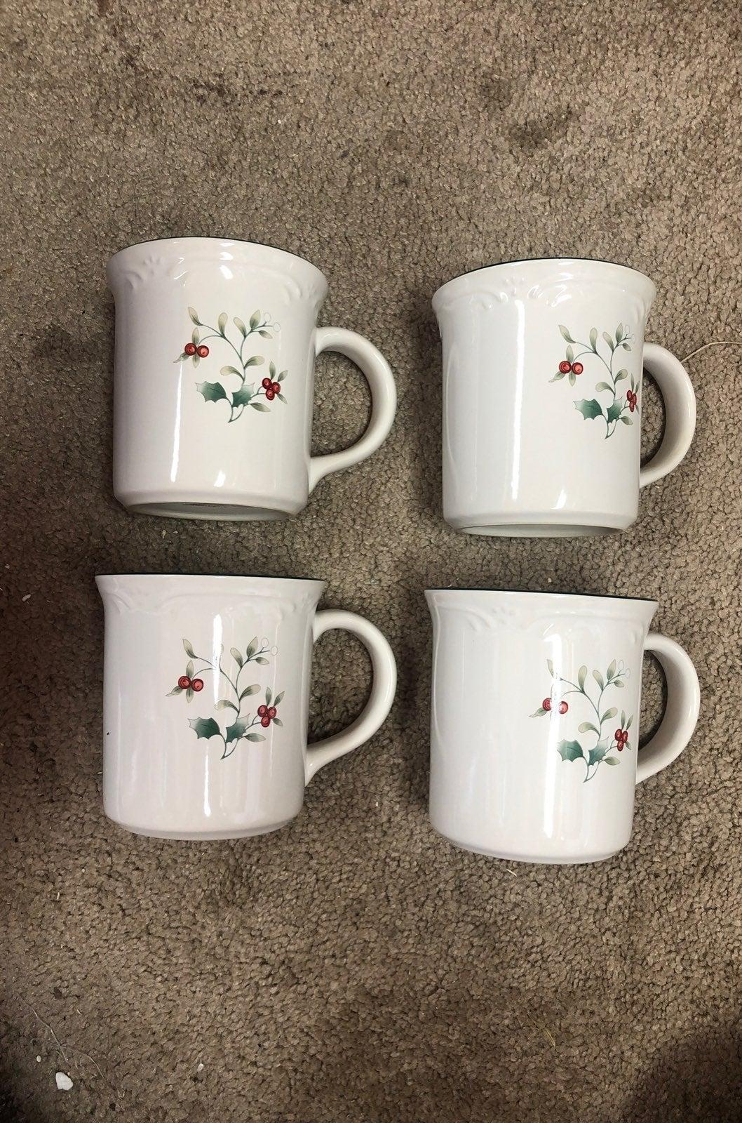 Pfaltzgraff Mug Set of 4 Holiday