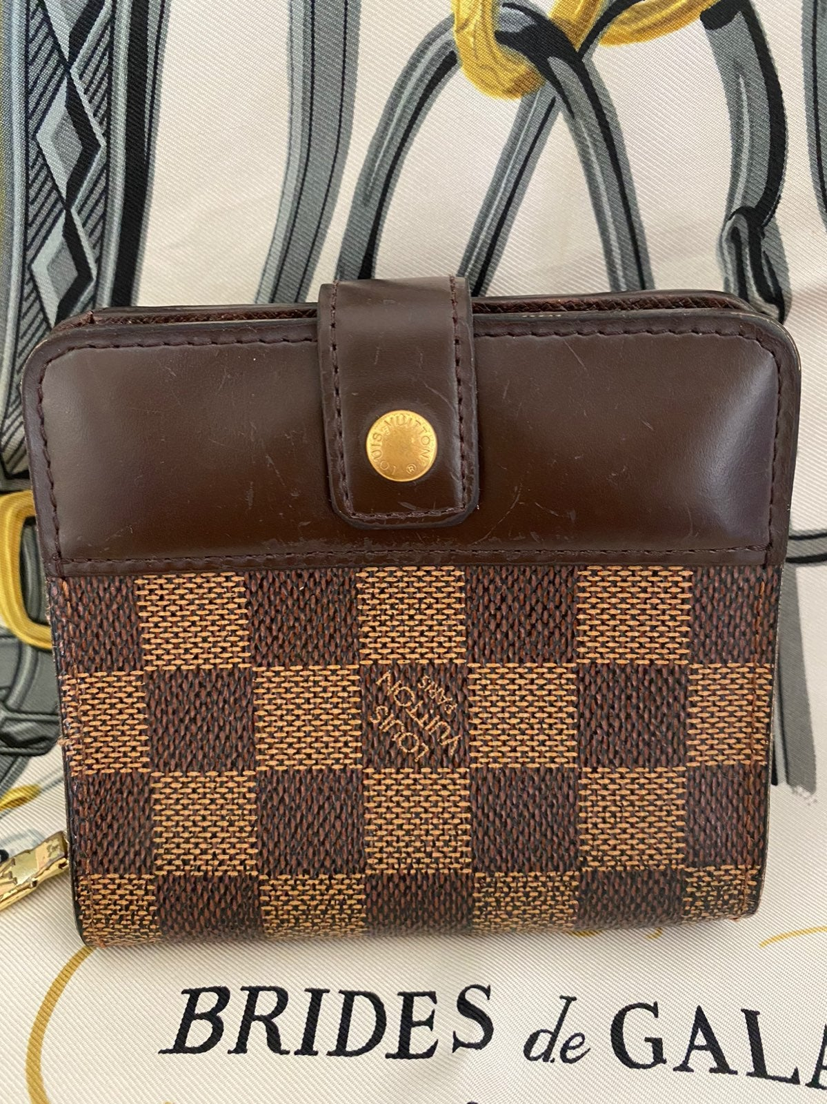 Louis Vuitton Damier Ebene Short Wallet