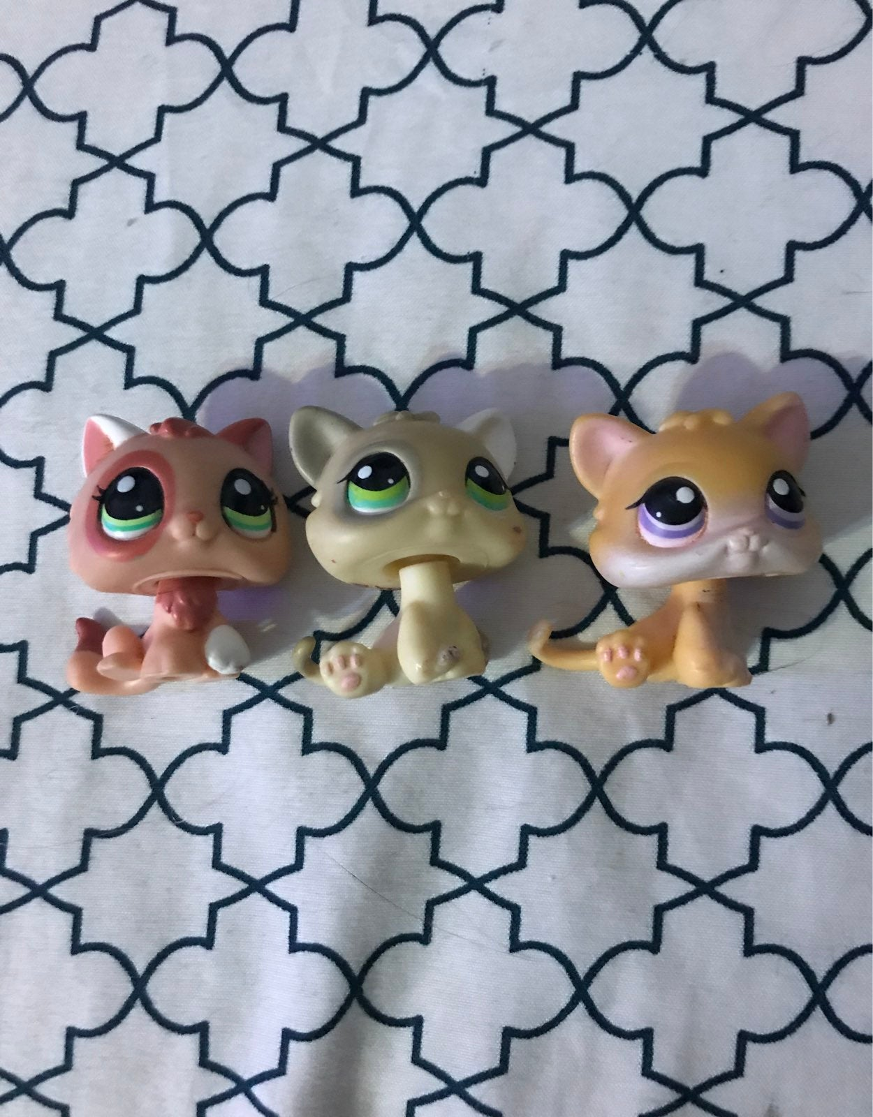 Lps Lot of 3 Kittens