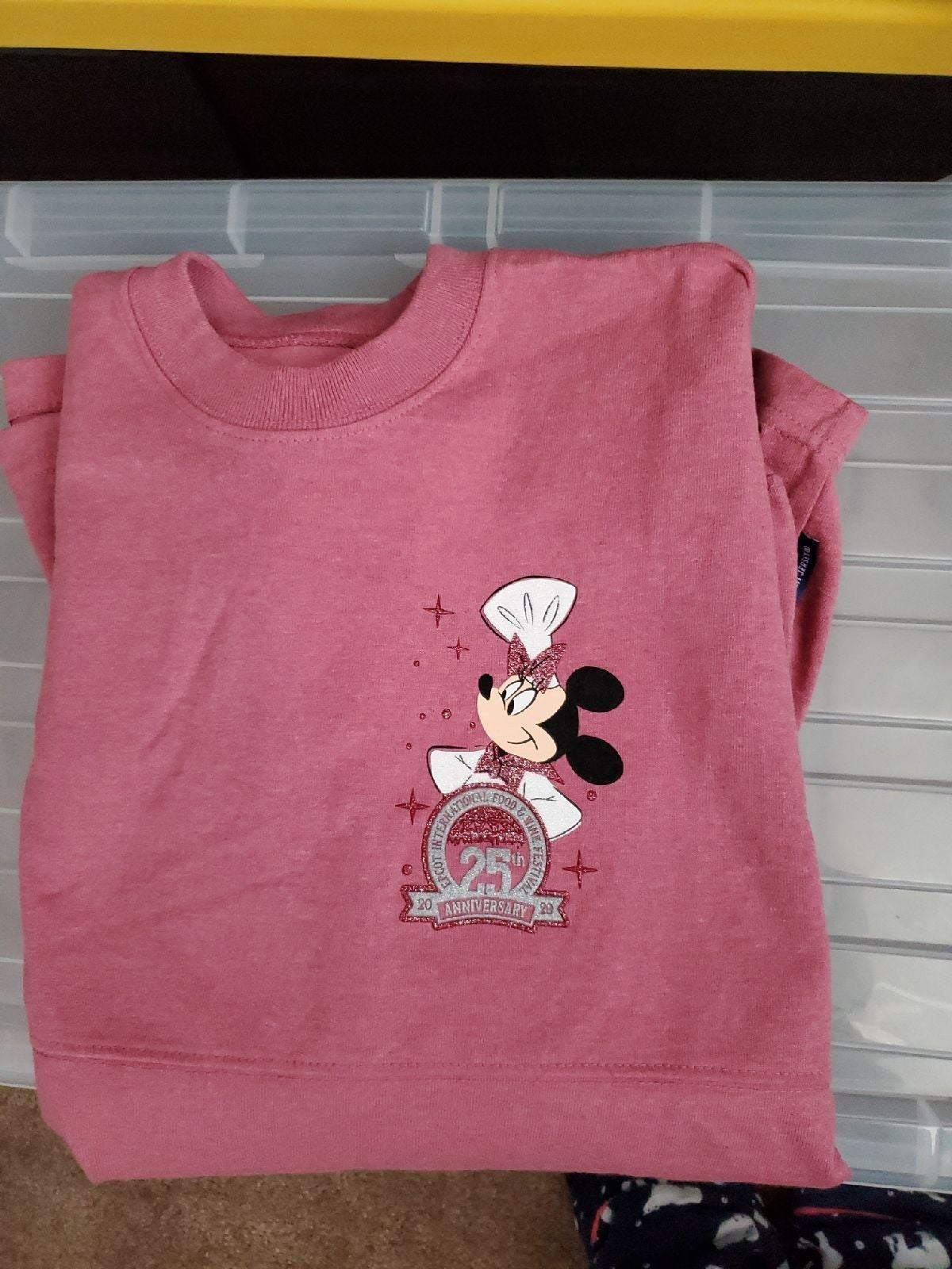 Disney Minnie Mouse spirit jersey Size S