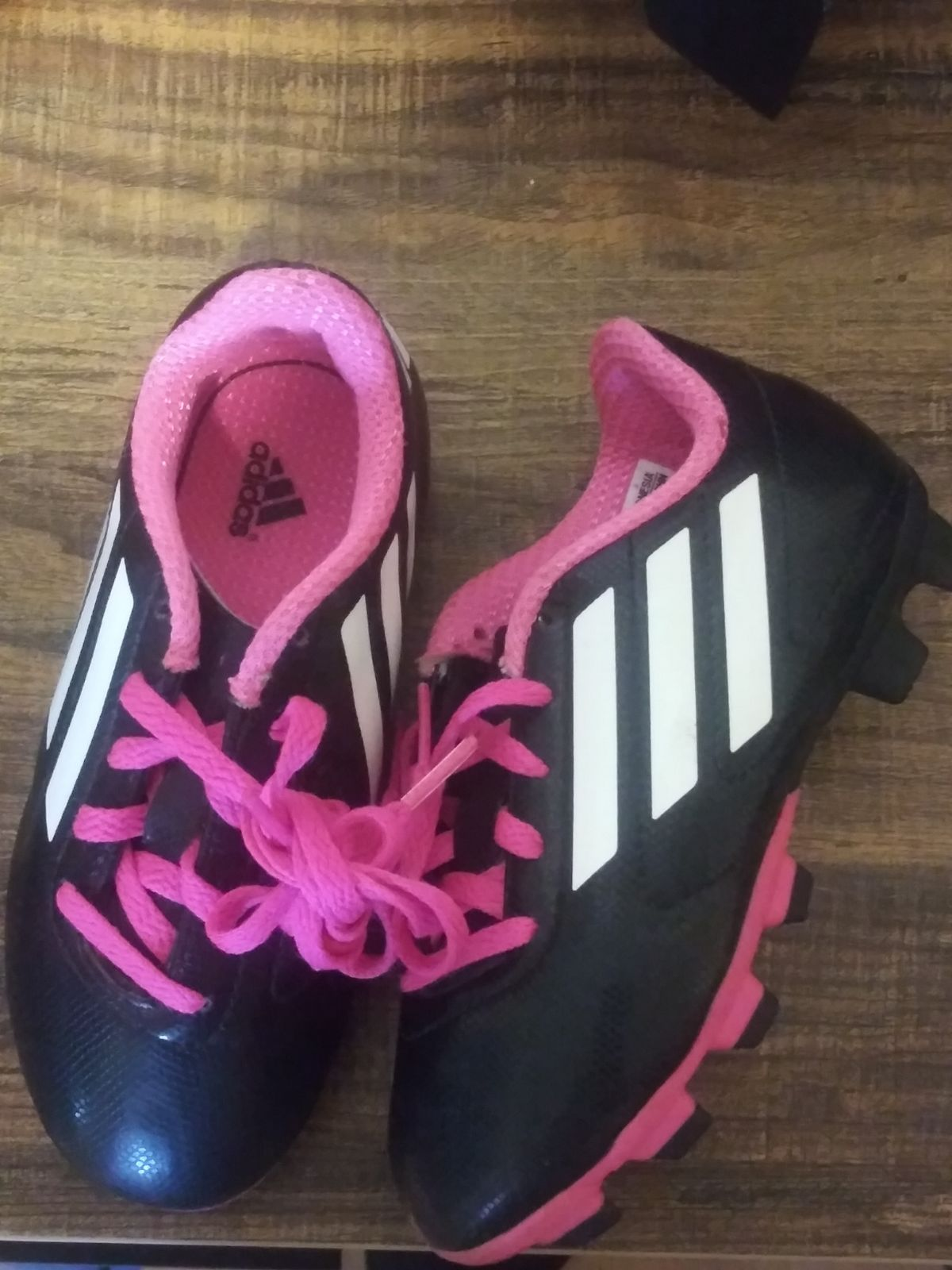 Adidas Soccer Cleats. Girls Size 11.