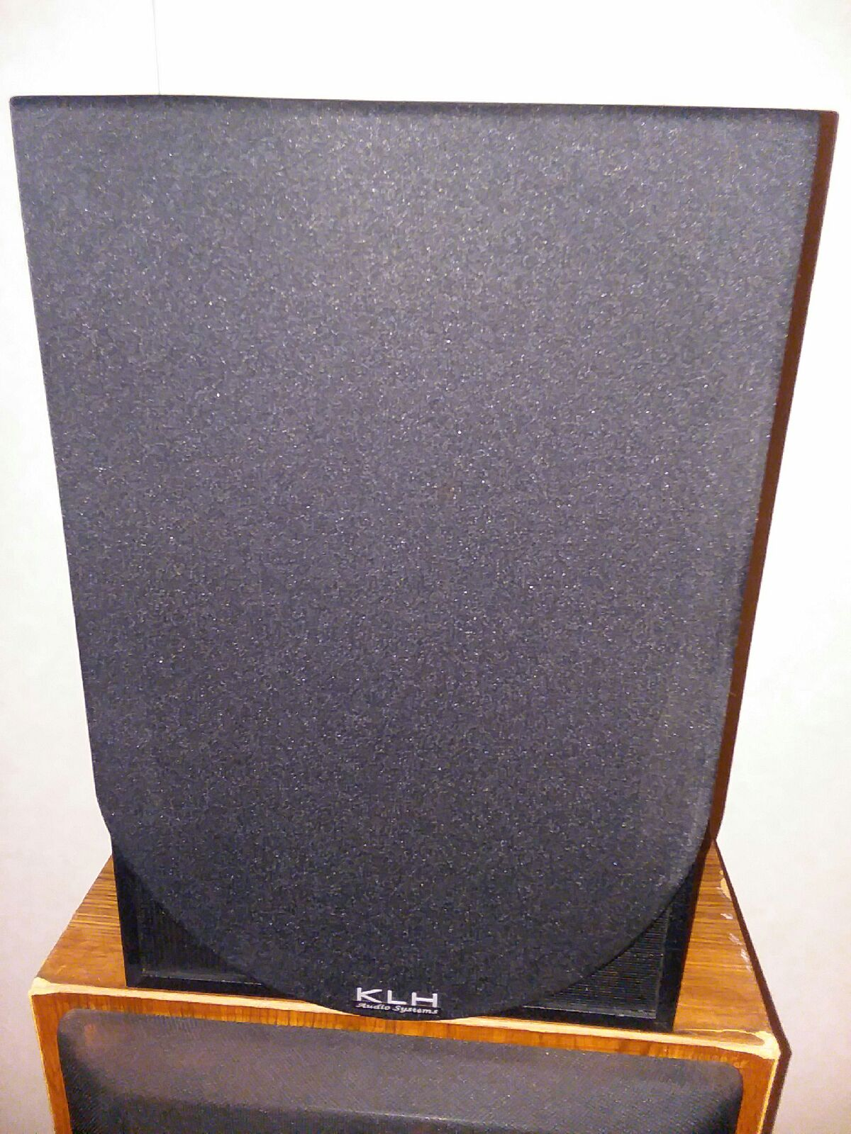 Vintage KLH 3-way shelf or floor speaker