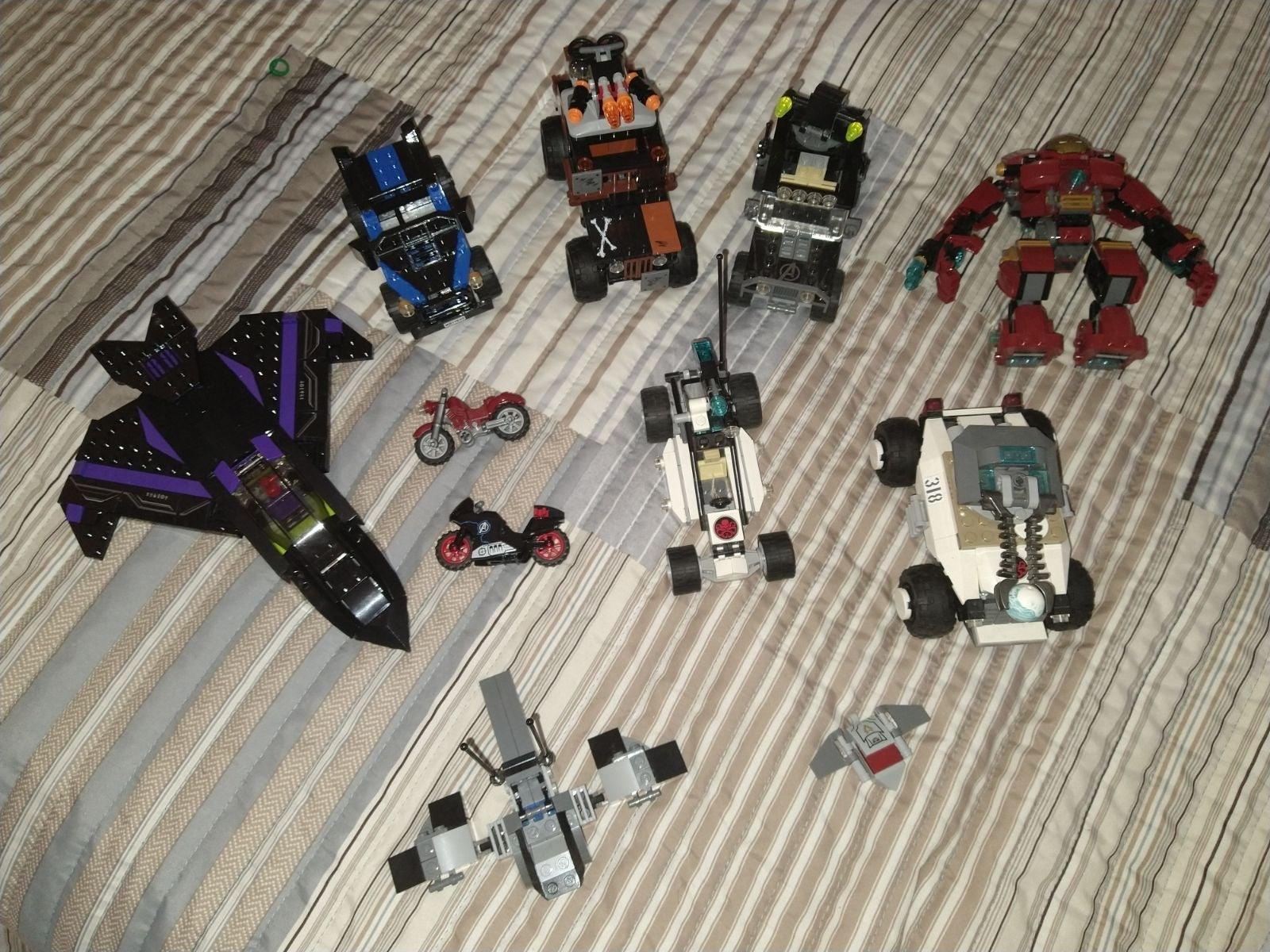 Lego Marvel Vehicle/Accesory Etc. Lot