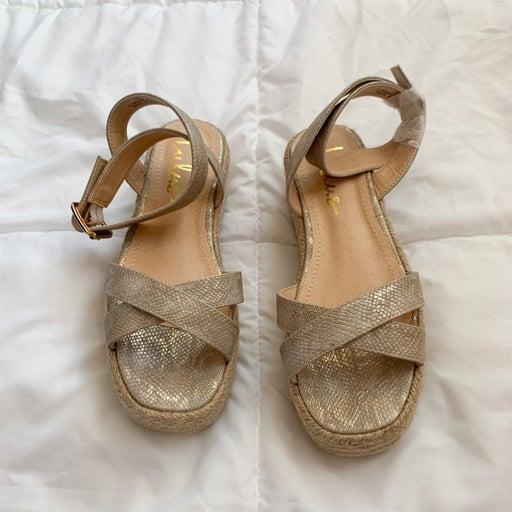 Lulus espadrille sandals size 6