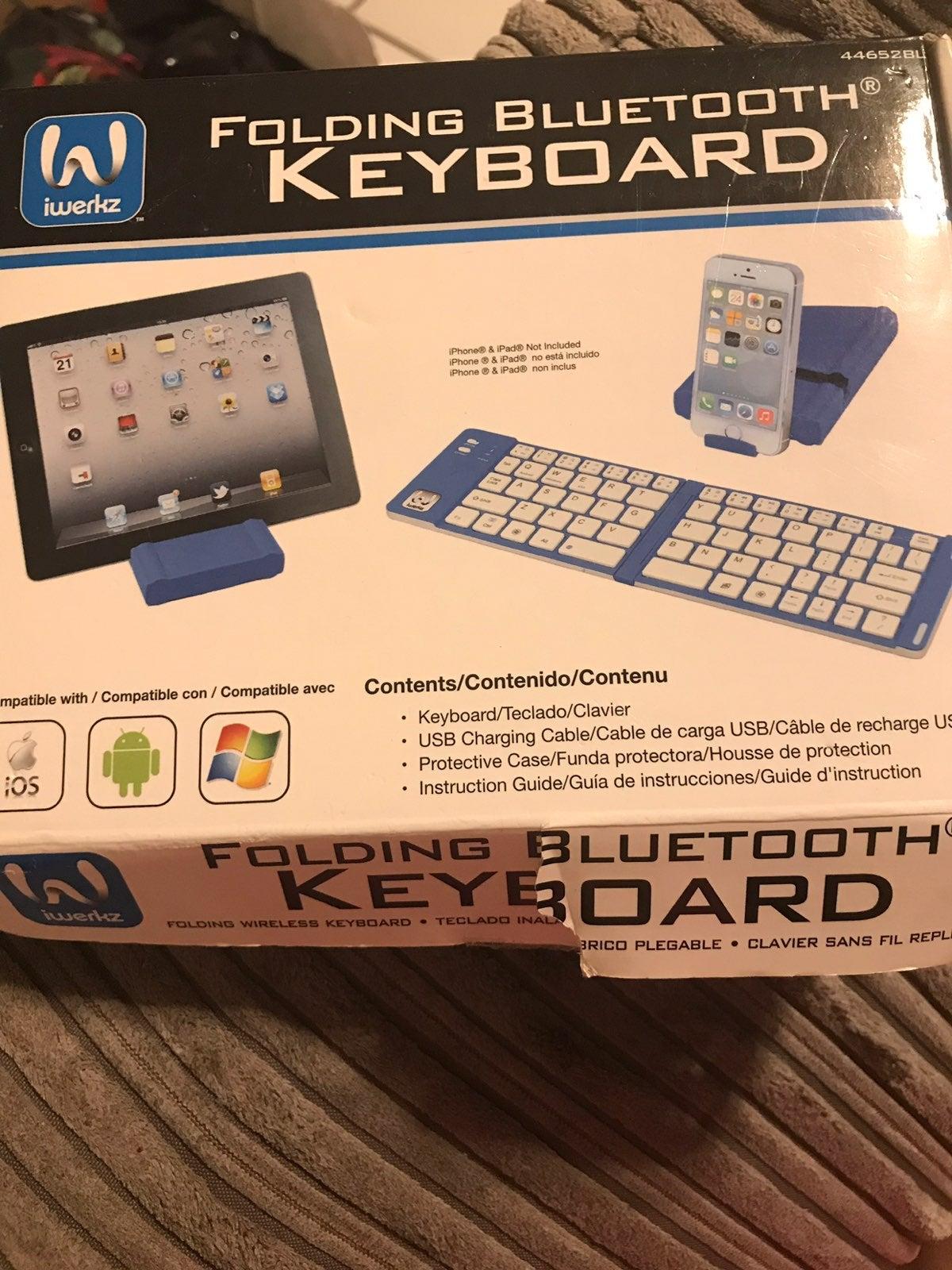 Iwerkz Folding Bluetooth Keyboard
