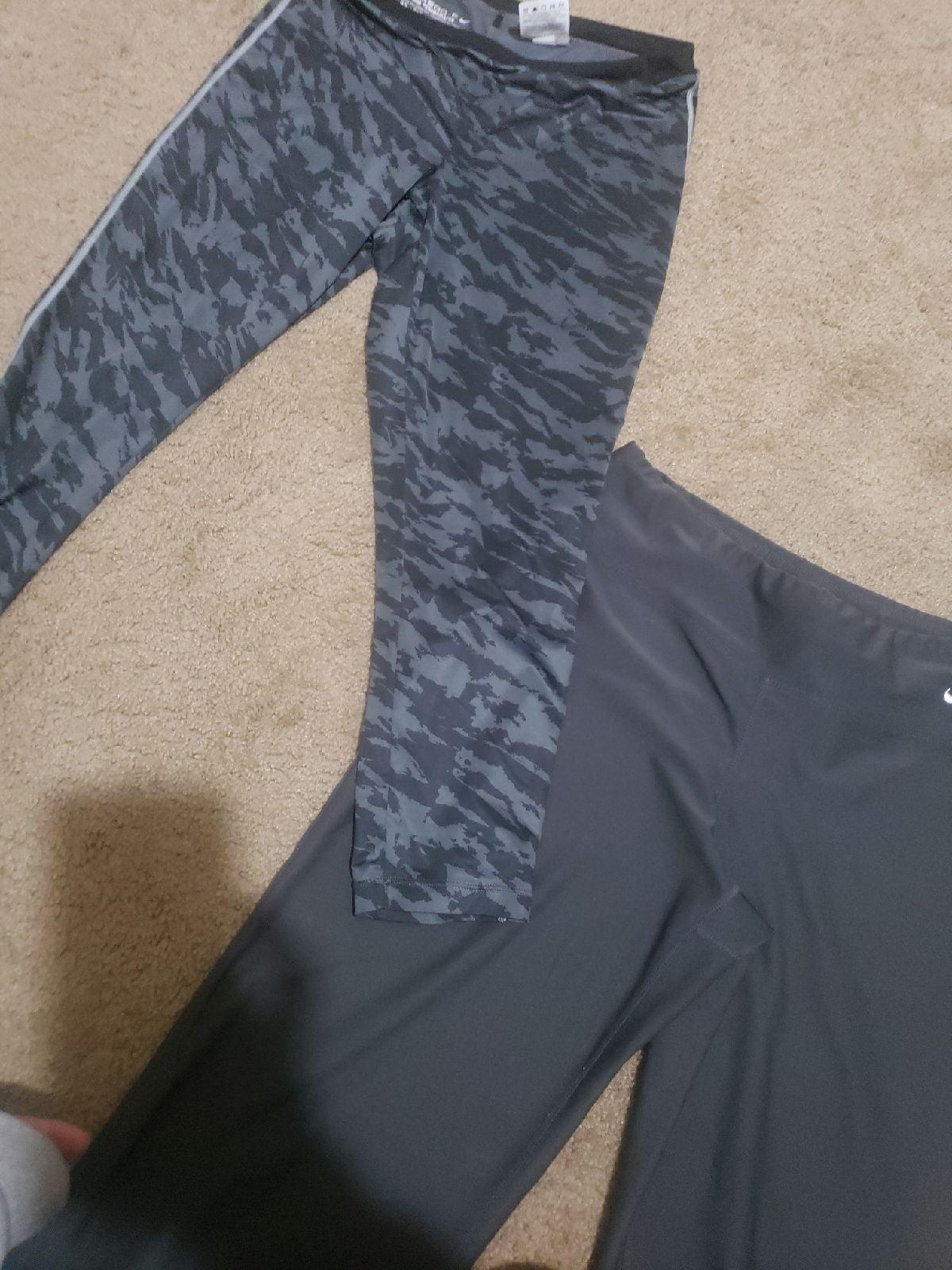 2 pairs of Nike leggings size S