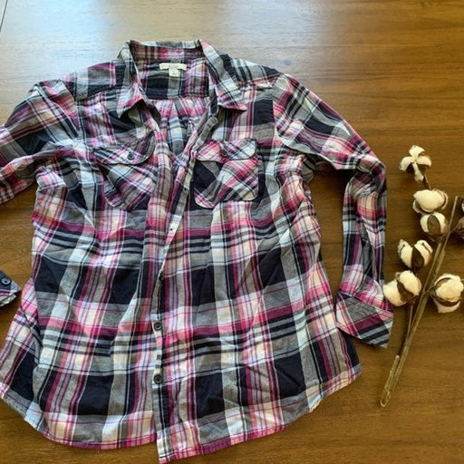 Flannel plaid maternity shirt