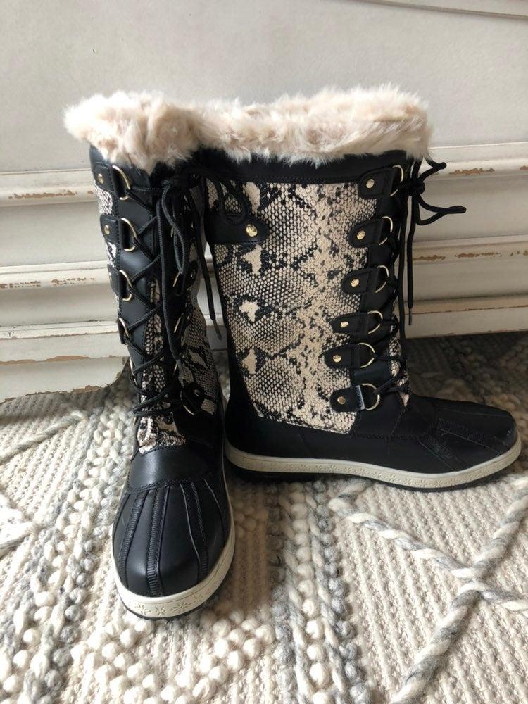 Justfab Snakeskin boots size 8 NWOT