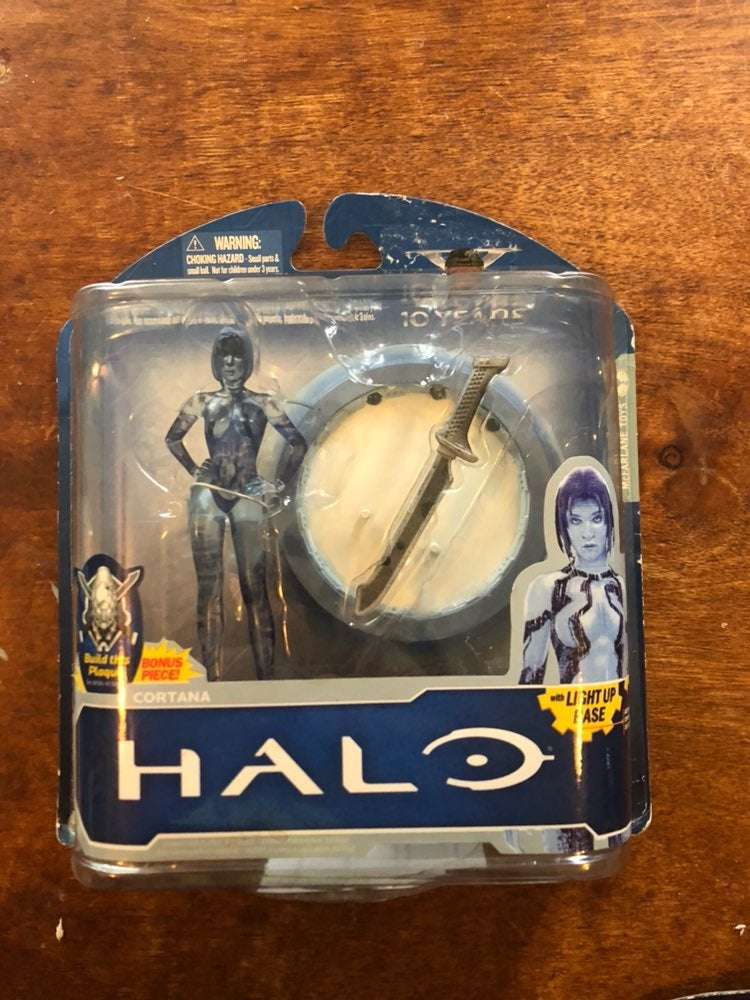 Halo Cortana Figure With Light Up Base