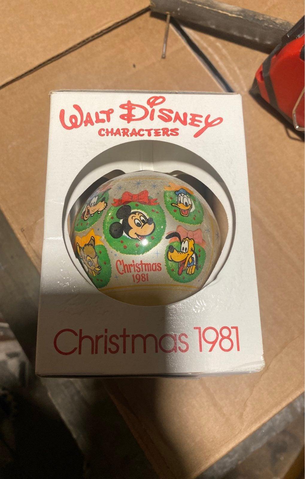 Walt disney 1981 christmas ornament