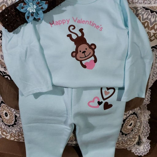 Infant outfit (6-9 months)