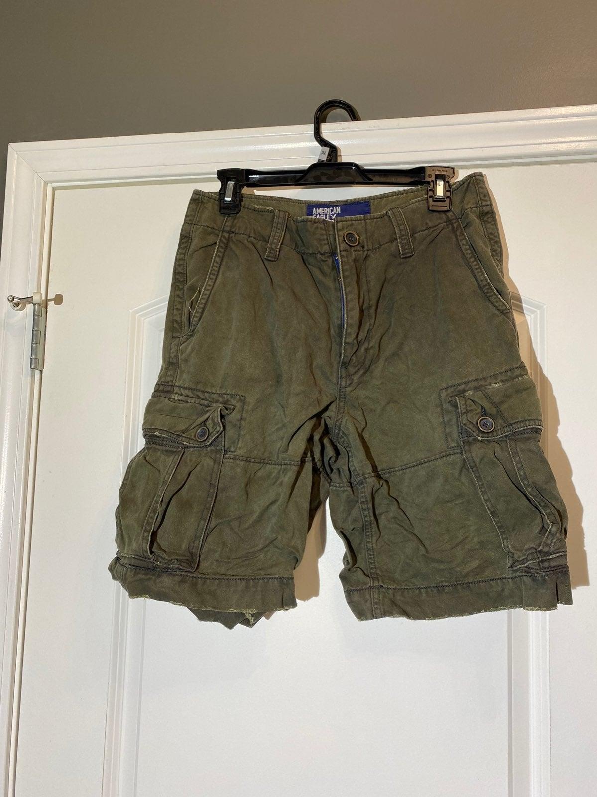 American Eagle Cargo Shorts size 30