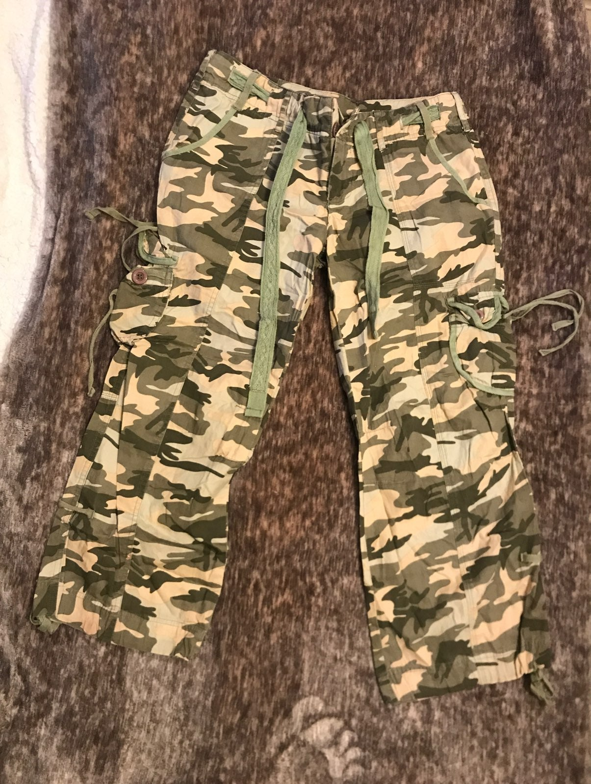 ON HOLD - Women Camo Pants Size M