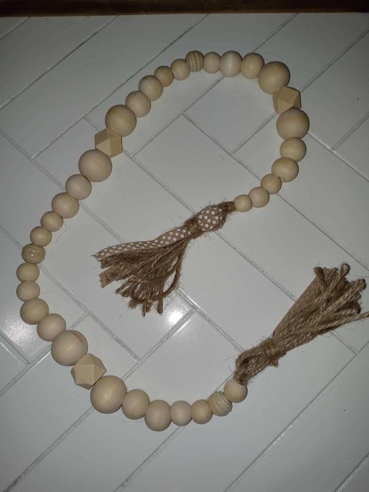 Neutral bead garland