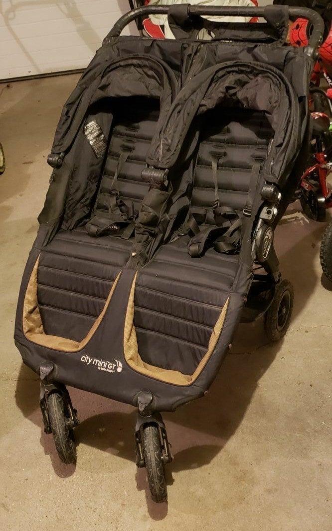 City Mini GT double stroller baby jogger