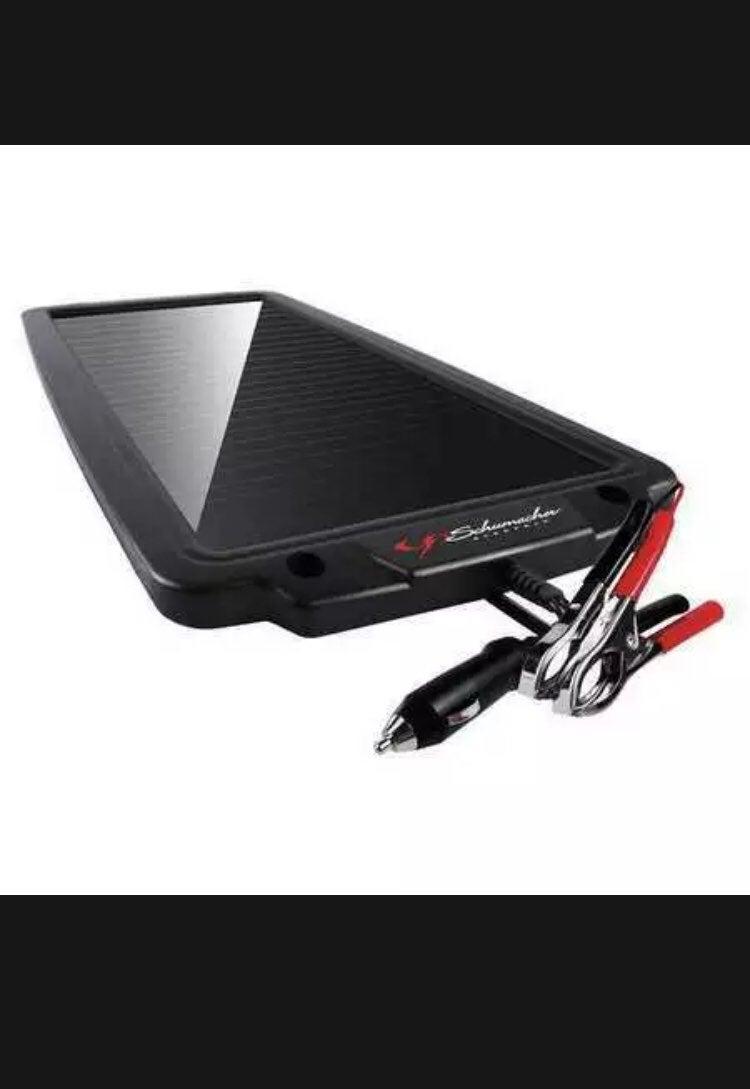 Portable solar pannel battery
