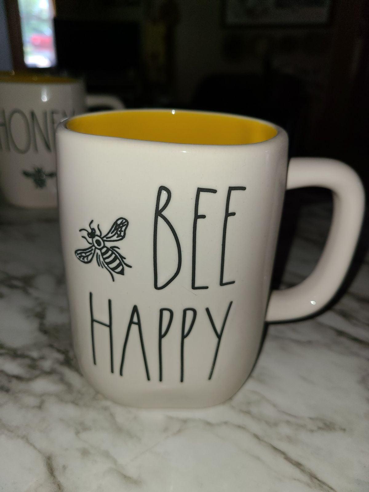 Rae dunn bee mug lot