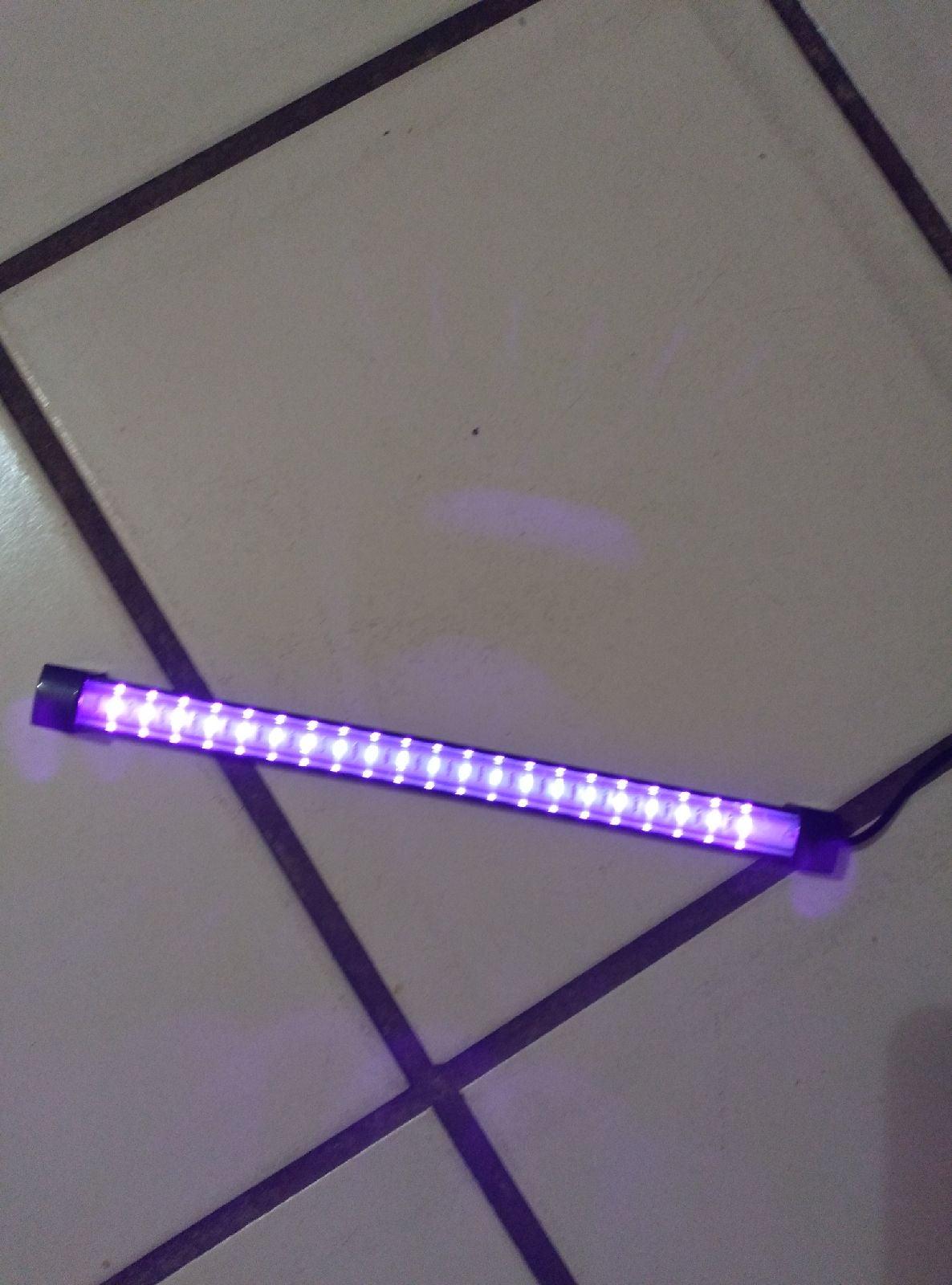 Handheld ultraviolet light