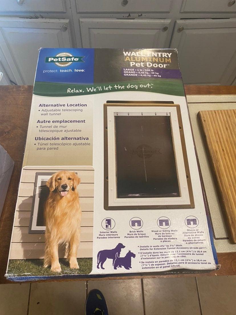 PetSafe Dog Wall Entry 1-100 Pound Large