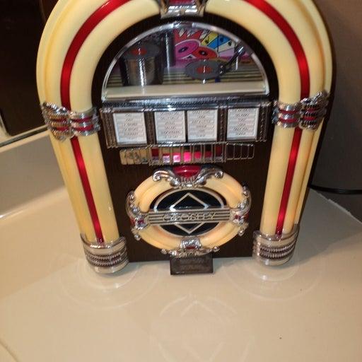 Crosley vintage juke box radio and casse
