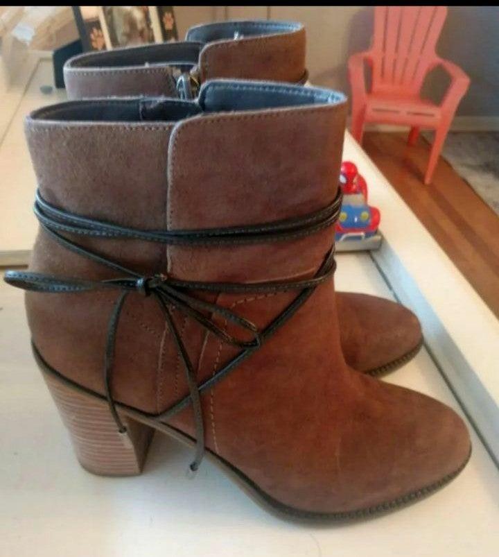 Franco Sarto Edaline ankle boots 8.5