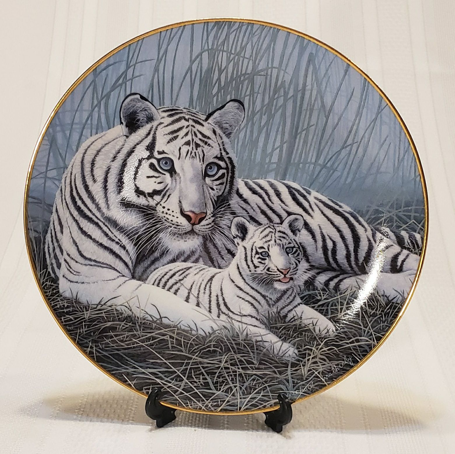 The Porcelain Gallery, White tigers with